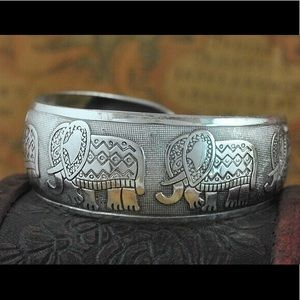 Silver elephant boho bangle bracelet gypsy vintage